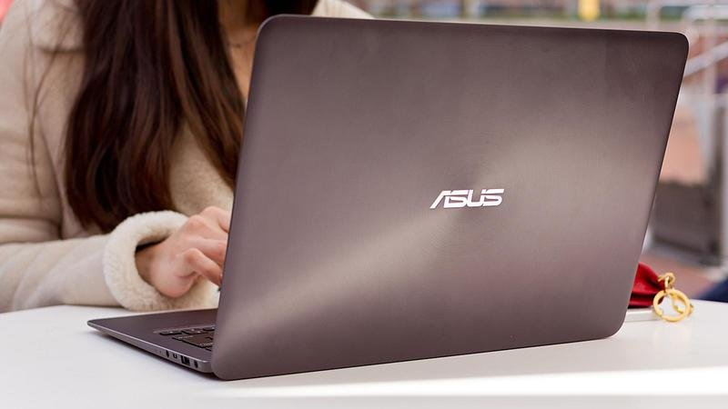 Asus Laptop lifestyle 18