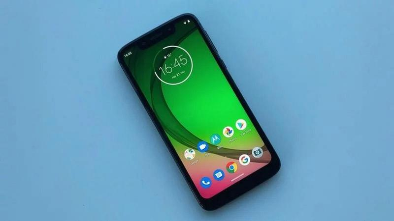 moto g7 play review0 thumb800