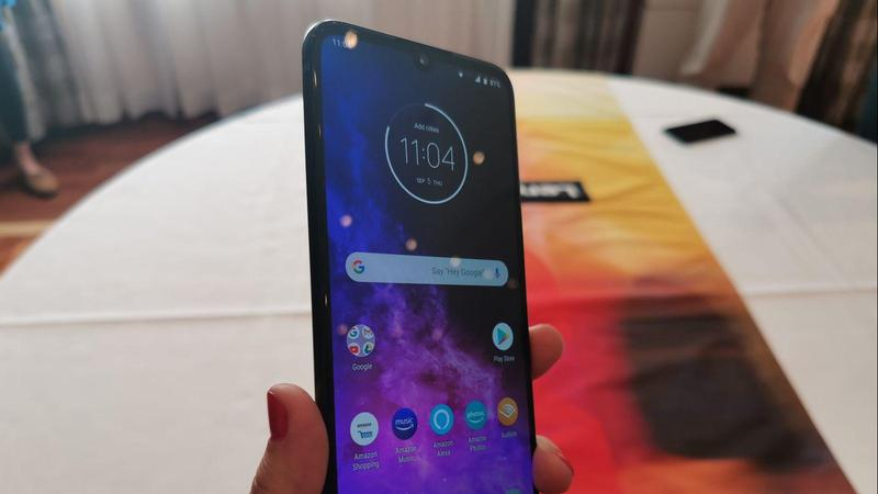 review motorola one zoom